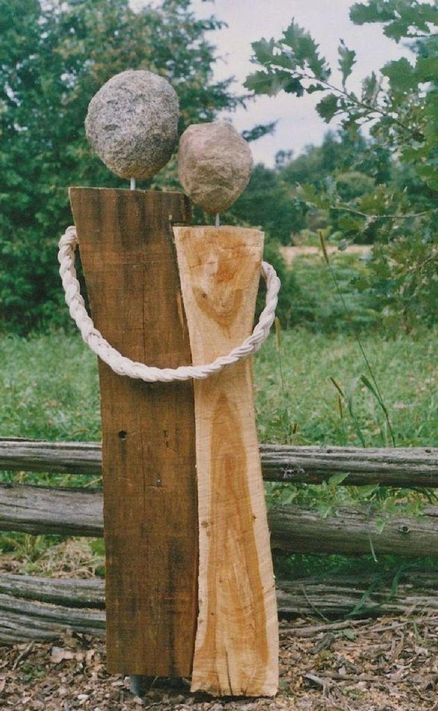 43 Simple and Easy DIY Garden Art Design Ideas 43