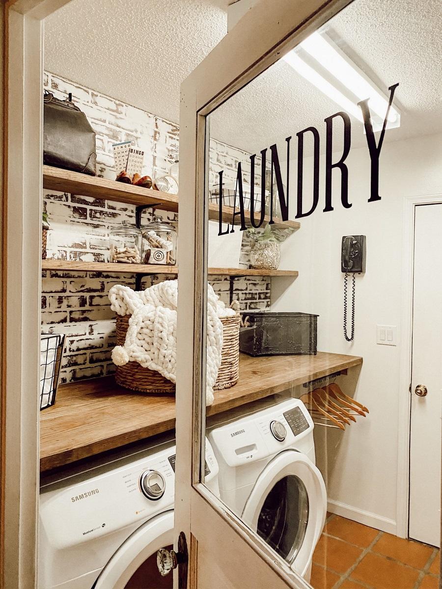 Helpful ideas for trendy laundry room decor