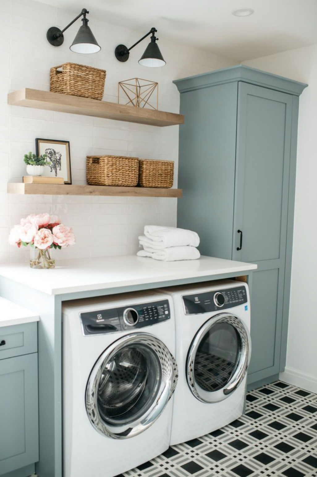 Trendy upstairs laundry rooms will or will not keep these interior design features 1