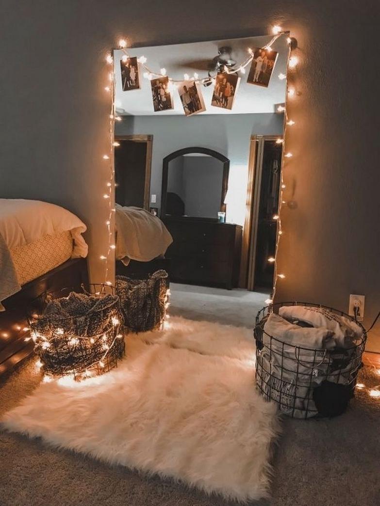 50 Amazing DIY String Lights for Small Teenage Bedroom Decor 49