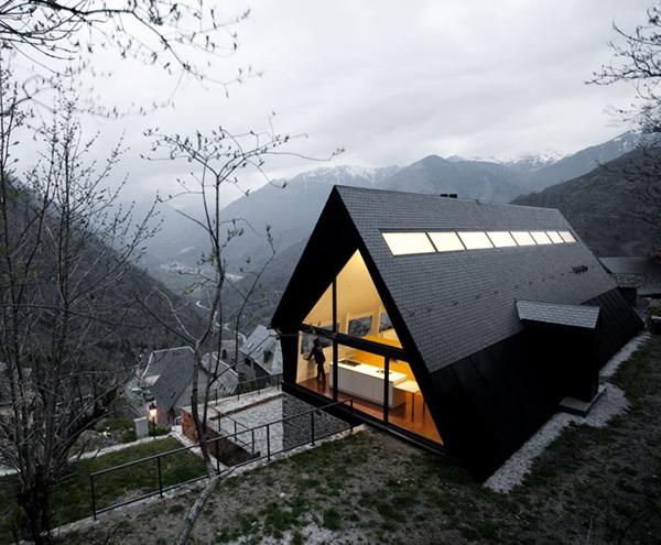 Extraordinary Mountain House