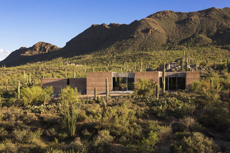 Tucson Mountain Retreat / DUST   ArchDai