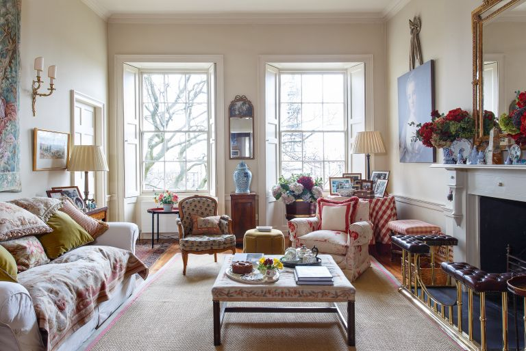 Traditional Living Room Furniture and   Color Schemes
