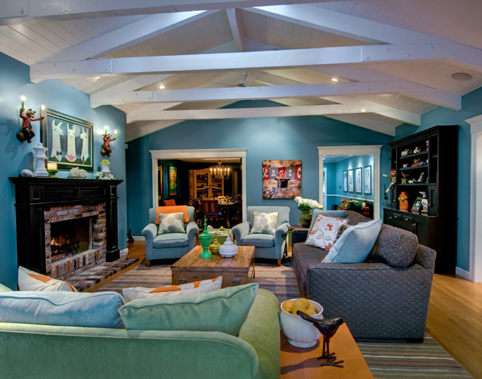 Colorful and Warm Home by Viscusi Elson Interior Desi